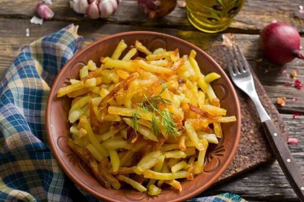 Как пожарить картошку: 7 вкусных домашних рецептов
