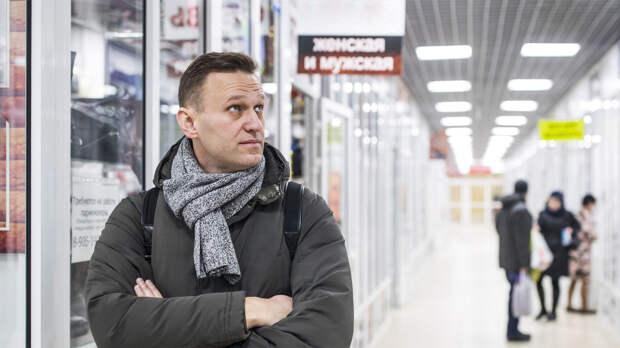 Спектакль, устроенный Навальным, трещит по швам