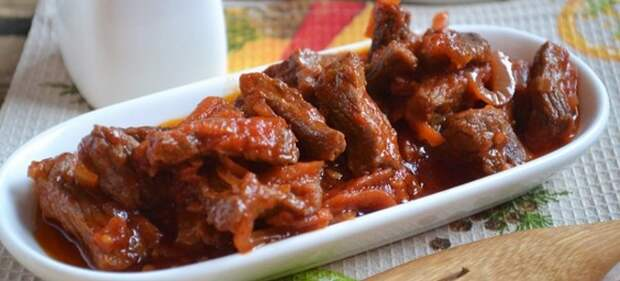 подливка с мясом с томатной пастой