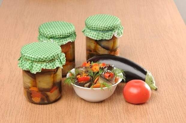 Рулетики из баклажанов с овощами. Фото: А. Соколов/BurdaMedia