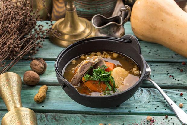 Обед с восточным колоритом: как приготовить суп шурпа
