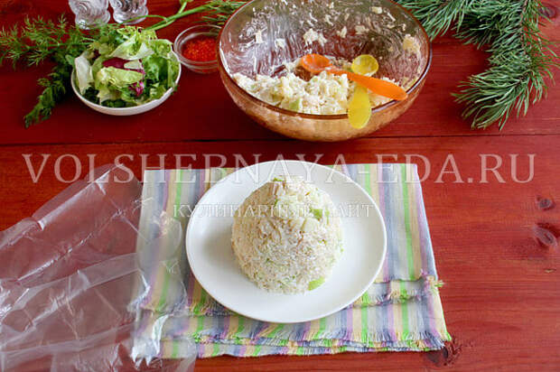novogodnij salat yolki 6