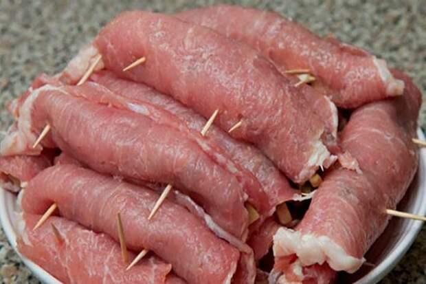 Мясной деликатес: обалденные рулетики «мясные» к праздничному столу