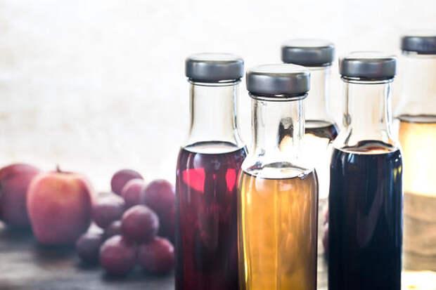 Уксус можно приготовить из разных фруктов и ягод