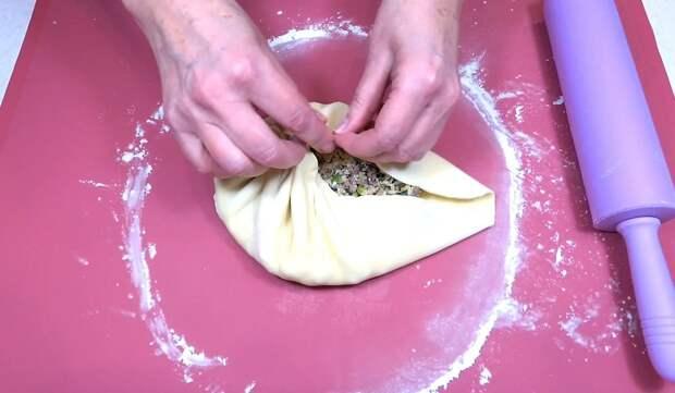 Тонкие пироги с мясом