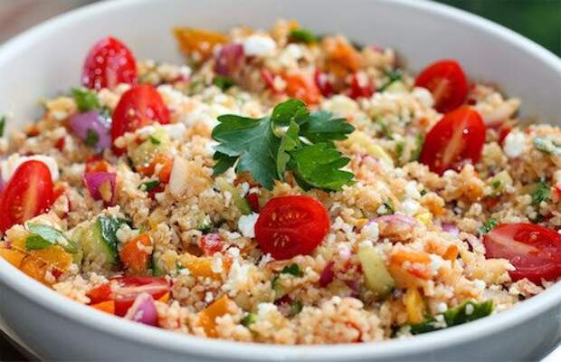 Вкусные и сытные салаты с крупой