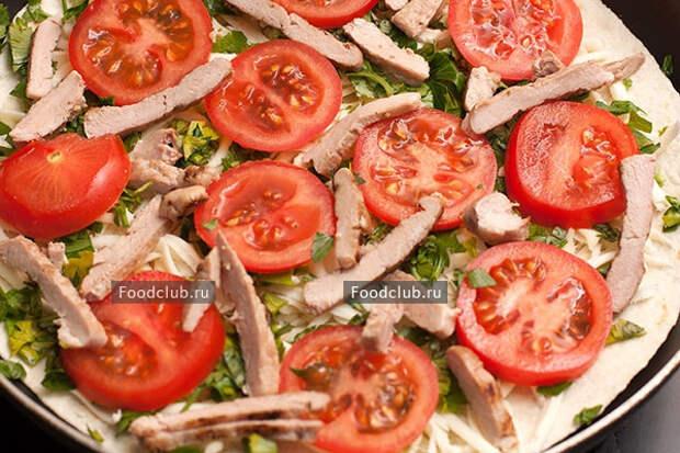 Кесадилья с мясом и сыром