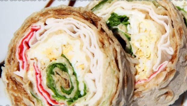 Рулет из лаваша с крабовыми палочками – 8 быстрых рецептов закуски