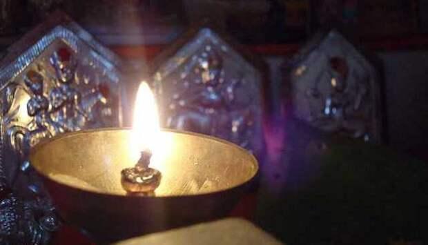 Легенды о неугасимых лампадах