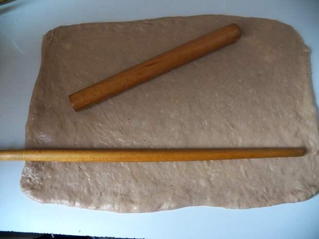 Коврижка на варенье из булочек с корицей